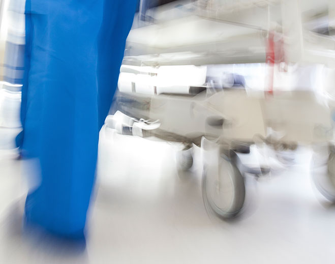 emergency-bed-nurse